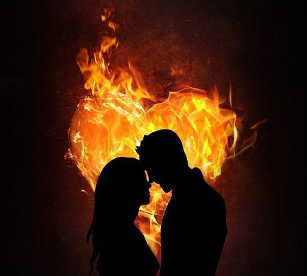 מה הקשר בין אינטימיות, תשוקה וביטחון בקשר?